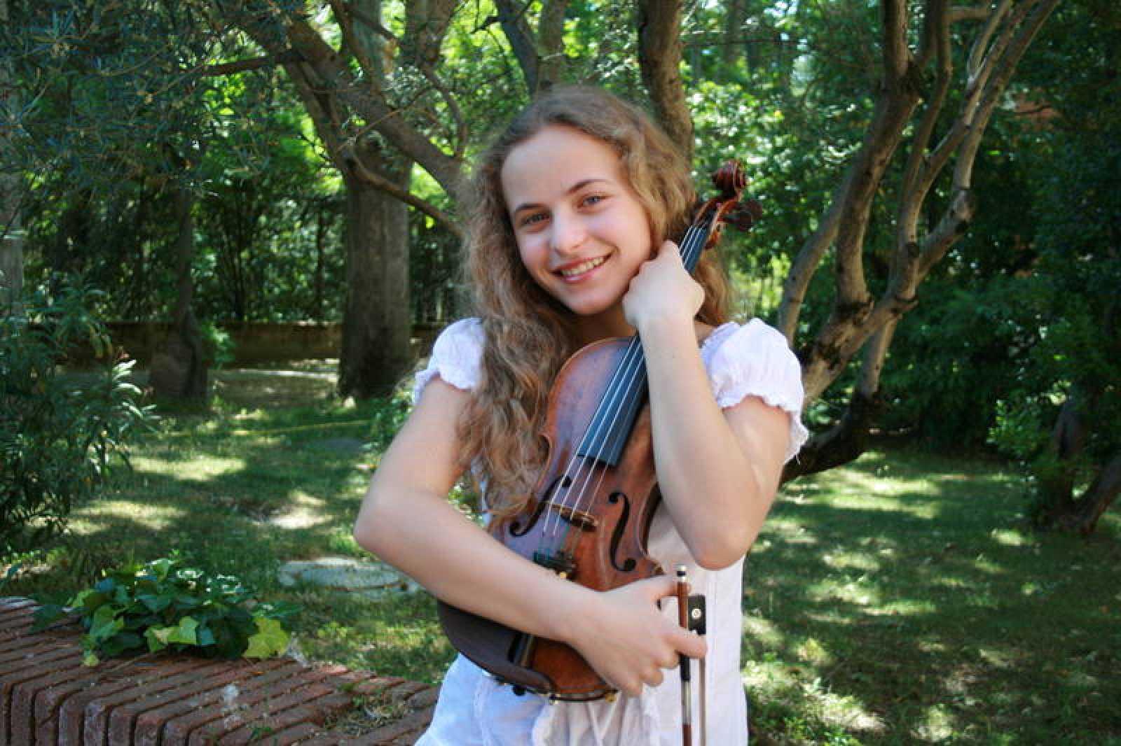 Sara Valencia