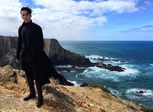 Mélovin films his Eurovision postcard. Image source: escportugal.pt