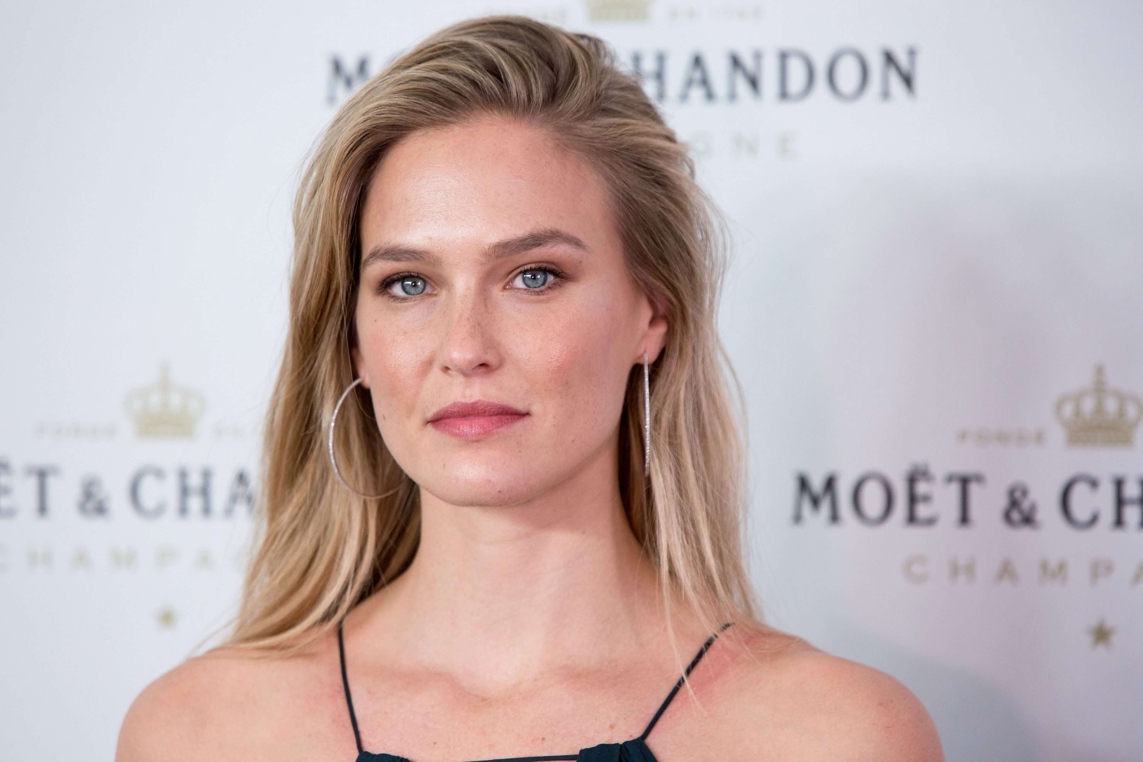 Pictures Bar Refaeli Picturesy naked (78 foto and video), Tits, Fappening, Twitter, swimsuit 2015